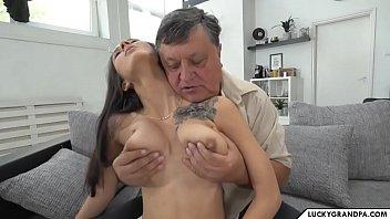 Сладостратная парочка и ее семейный, групповой секс