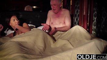 Секса русских: пара потрахалась перед сном