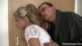 Невеста поучаствовала в порно групповухе перед свадьбой