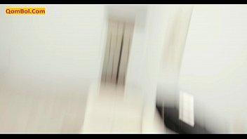 Молодая телка показывает огромные сисяндры и ласкает перед вебкой пизду